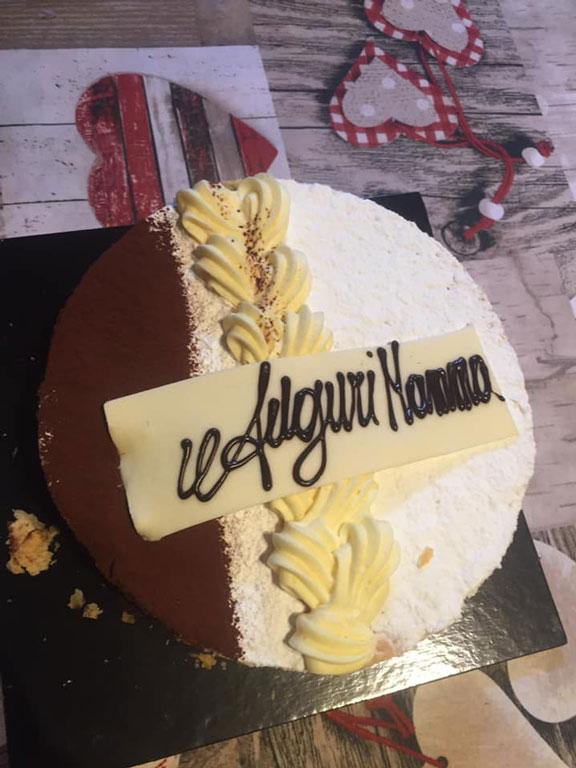 torta millefoglie per la mia mamma con consegna a domicilio